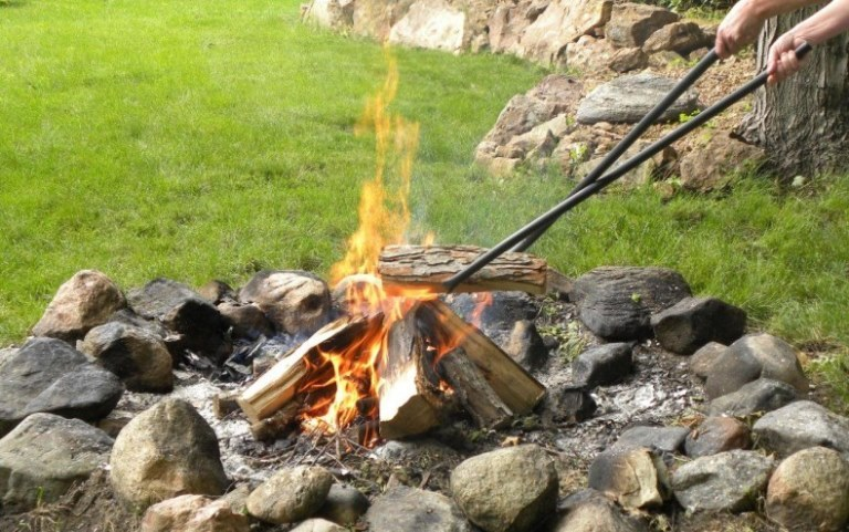 40 Inch Log Claw Grabber Move Fire Wood Easily Safely in Your Fire Pit