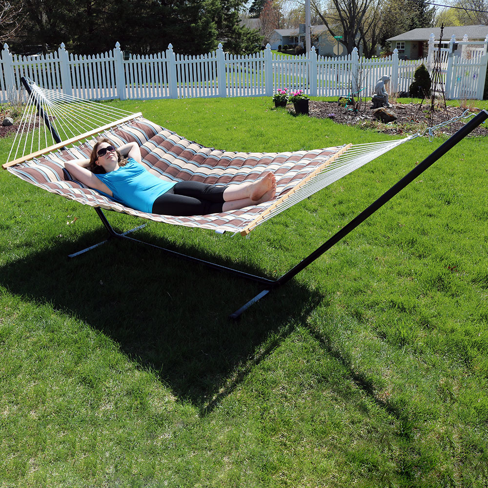Sunnydaze Person Quilted Designs Fabric Hammock Photo